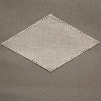 32cm Diamond Crochet Doilies - Cream 18 x 32cm / 7 x 12.5in