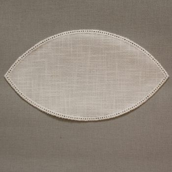 25cm Petal Crochet Doilies - Cream 25 x 14cm / 10 x 6in