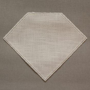 23cm Diamond Crochet Doilies White 23 x 19cm / 9 x 7.5in