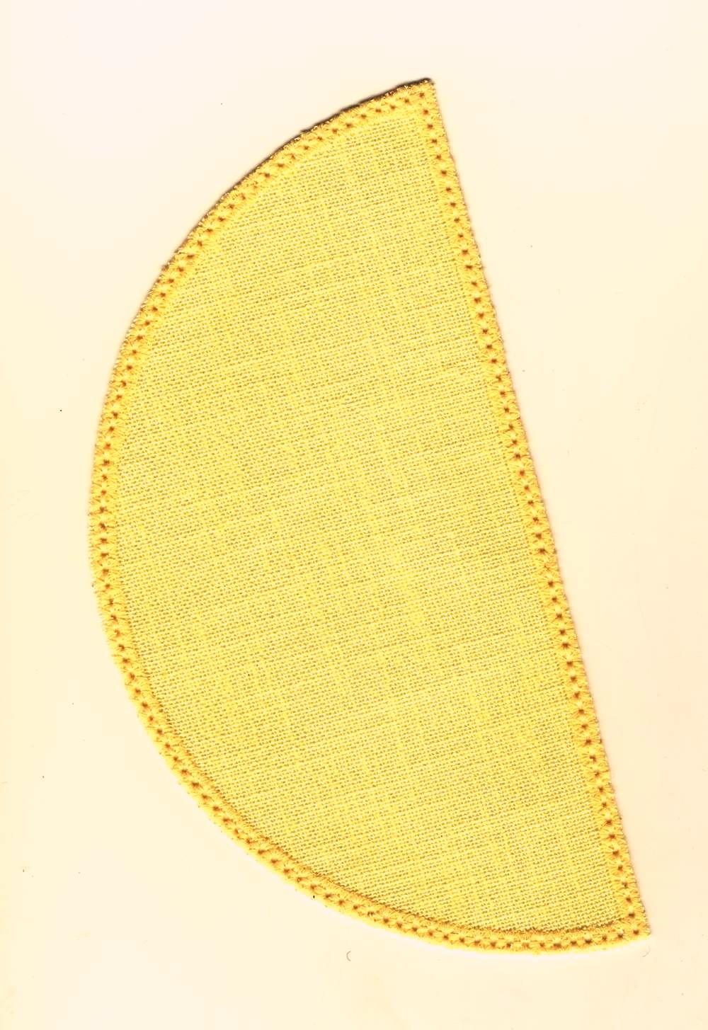 22cm Half Circle Doilies - White 22 x 11cm / 8.5 x 4.5in
