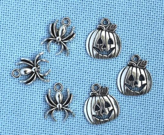 Halloween Charms (2+2)