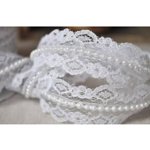 R424 - 20mm White Lace & Pearl Trim